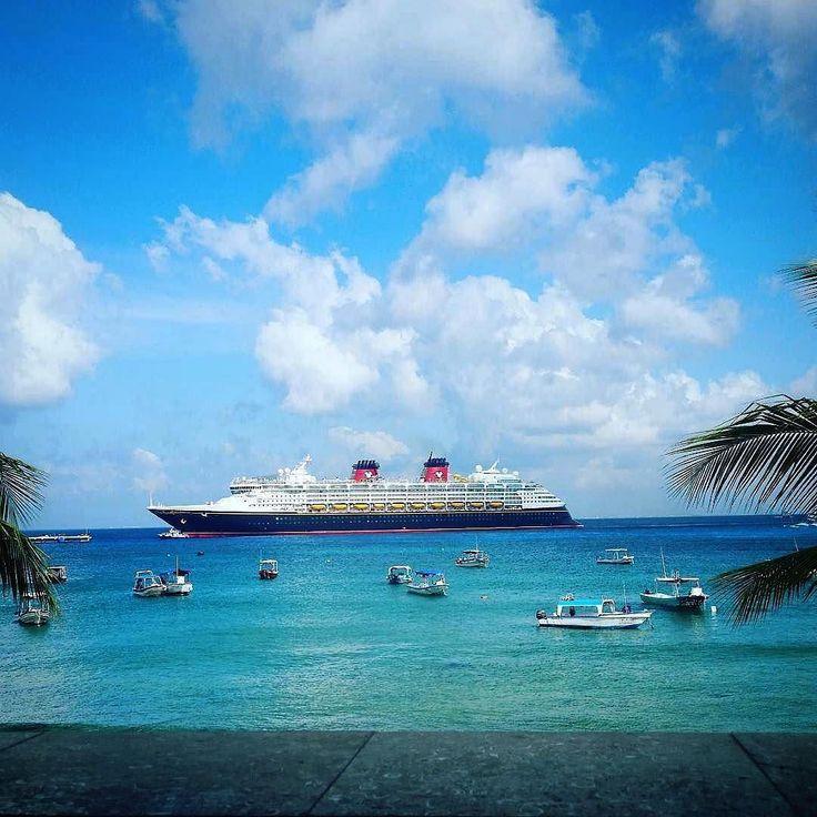 Les croisières Disney Cruise Line à découvrir chez Seagnature | Say hello to beautiful #Cozumel. #DisneyCruise (: @tylerj.hamilton) by disneycruiseline https://www.instagram.com/p/BFhOnlzAYBY/ #croisière #vacances #voyage #disney #disneycruiseline #disneycruises #bateau