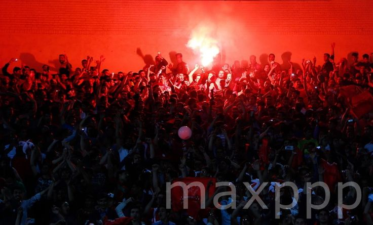 ©ABEDIN TAHERKENAREH/EPA/MAXPPP - epa04695946 Supporters of Persepolis light flares during the AFC Champions League group A soccer match between Perspolis FC and Al-Nassr FC at Azadi stadium in Tehran, Iran, 08 April 2015.  #photo #photos #pic #pics #TagsForLikes #picture #pictures #snapshot #art #beautiful #instagood #picoftheday #photooftheday #color #all_shots #exposure #composition #focus #capture #moment