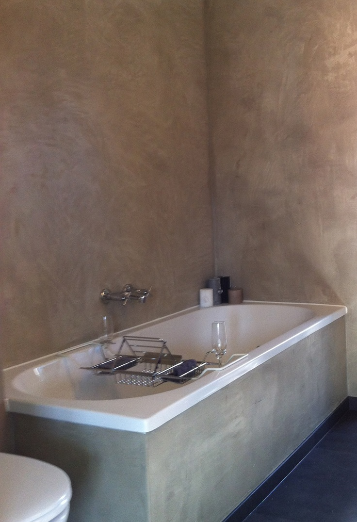 mooi en voelt toch nog warm aan Betonlook badkamer - beton ciré. Betonlook badkamer, afgewerkt met beton ciré
