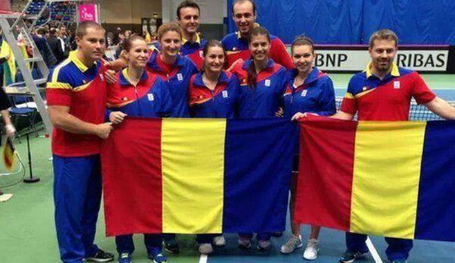 Echipa Romaniei de tenis a invins Ucraina, 2-0, in play-off-ul de calificare pentru barajul de accedere in Grupa Mondiala II a tenisului feminin, Simona Halep si Sorana Carstea castigand clar meciuril
