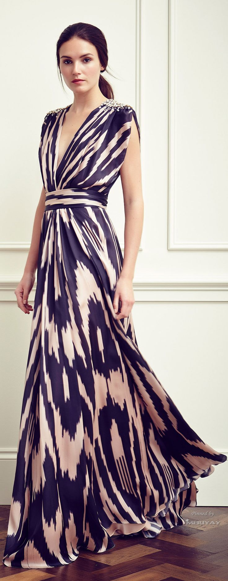 best dresses and gowns images on pinterest party fashion