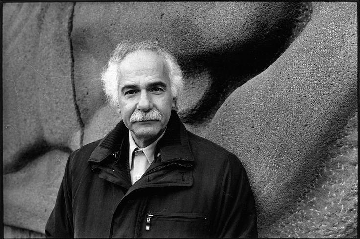 """""""Ne m'en veux pas / d'être l'ombre / dont se repaît la lumière"""" Abdellatif Laâbi, 2017 Griffin Poetry Prize shortlist"""