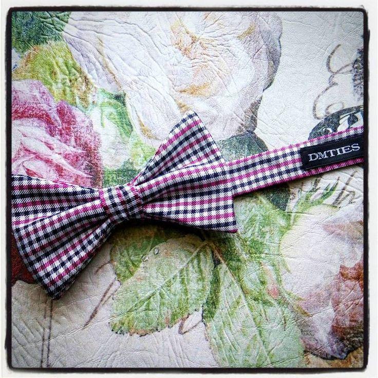 http://www.dmties.com/papillon/papillon-pre-annodati  Un #accessorio diverso ogni giorno ti regala un #look sempre #fresco e mai noioso