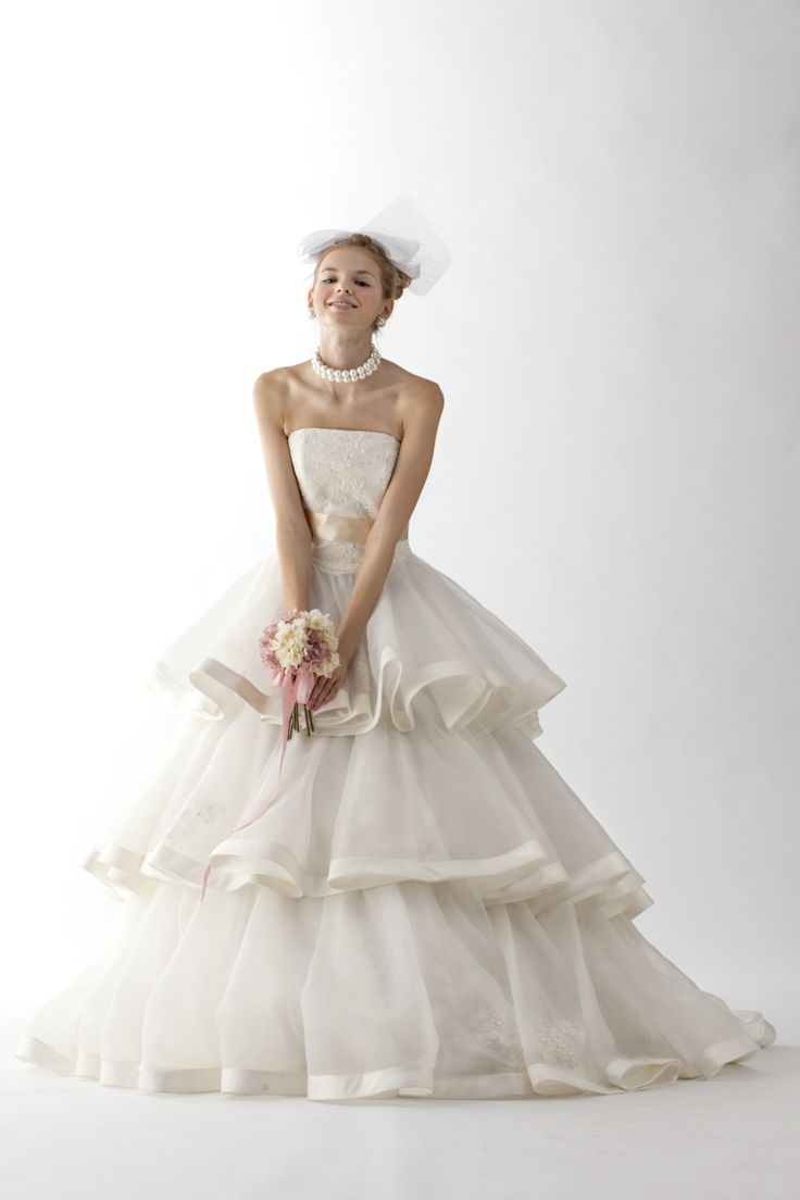 ウェディングドレス|ウェディングドレス、和装ならヴュパリ|ララシャンス