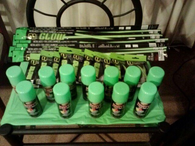 Green Silly String, Green Glow sticks