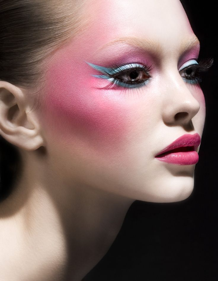 Blushing Beauty | Ballerina look? Or a beautiful colour clash?