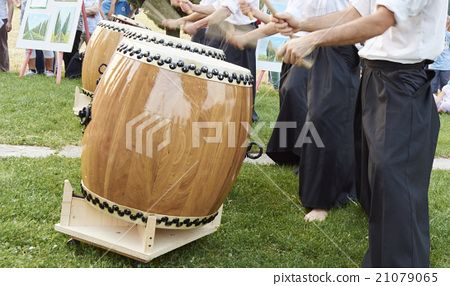 Japanese taiko drum - Stock Photo(No.21079065). Find images exactly you are looking for from more than 16,800,000 of royalty-free stock photos, illustrations, and vectors. Download and enjoy fresh & incredible images added every day.