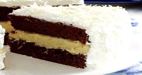 O Recheio Prestígio Especial fica muito cremoso e saboroso e, ao mesmo tempo, é super prático de fazer. Seus bolos prestígio nunca mais serão os mesmos com