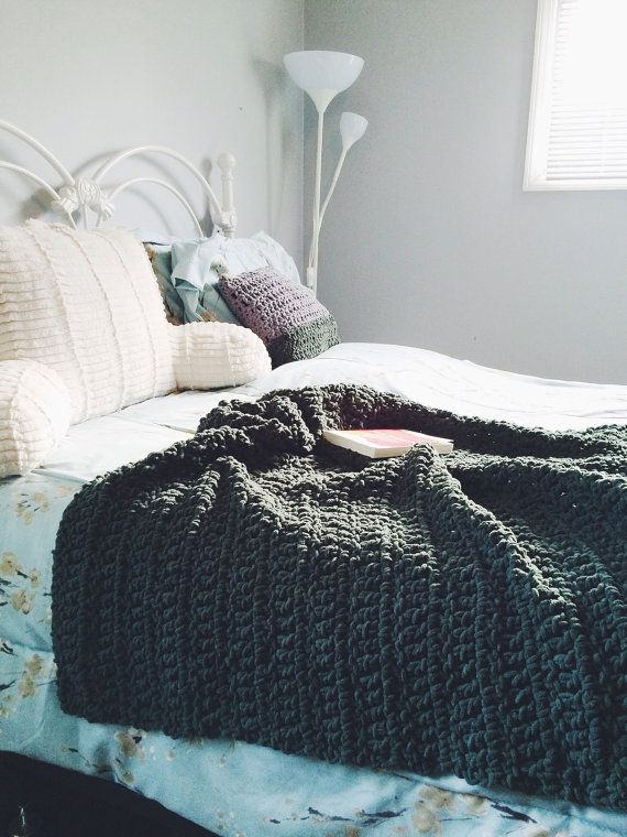 Chunky knit crochet large hypoallergenic bed blanket for How to make a big chunky knit blanket