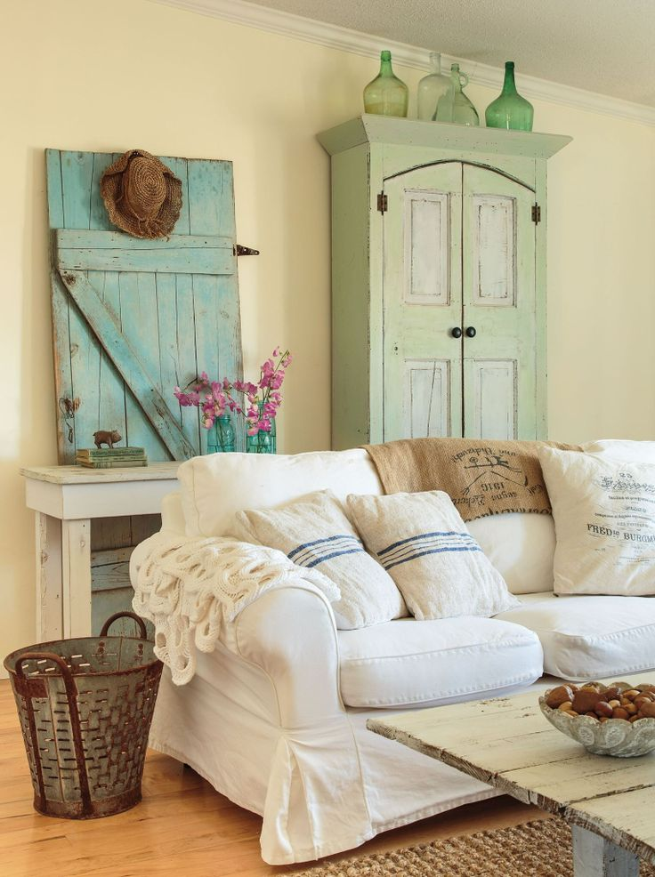 Love the use of old door for decoration