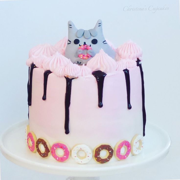 Cake Art Instagram : 20 best images about Pusheen Cakes on Pinterest Surprise ...