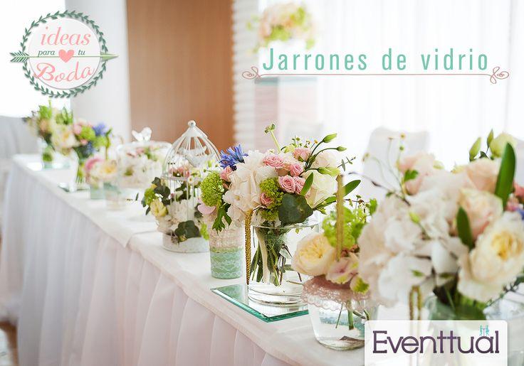 Los jarrones de vidrio también son tendencia en decoración para las bodas. Te invitamos a conocer nuestro inventario con diferentes formas y colores. Ideales para darle ese toque que buscas para tu evento.