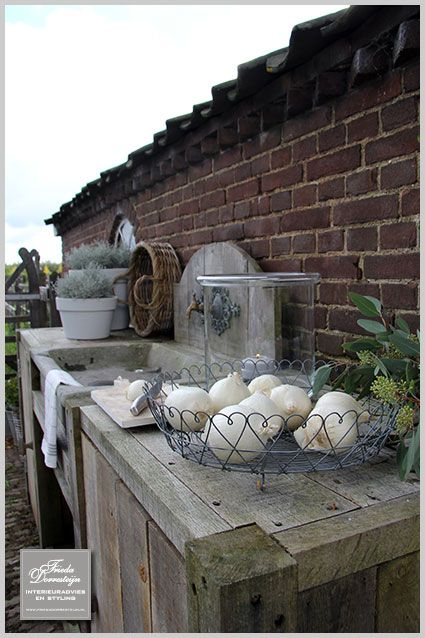metallic baskets for the potting table