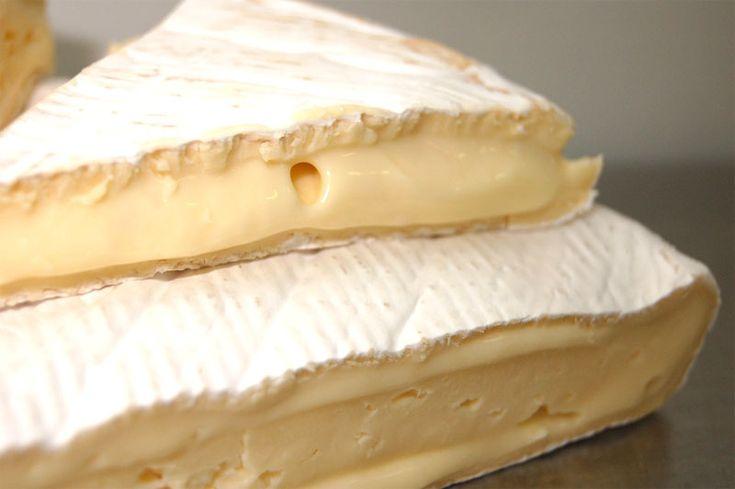 Adoro farlo d'inverno questo fantastico formaggio…. e non solo per la sua consistenza coccolosa ed appagante …..Mette allegria questo formaggio morbido! Questo formaggio richiede qualche att…
