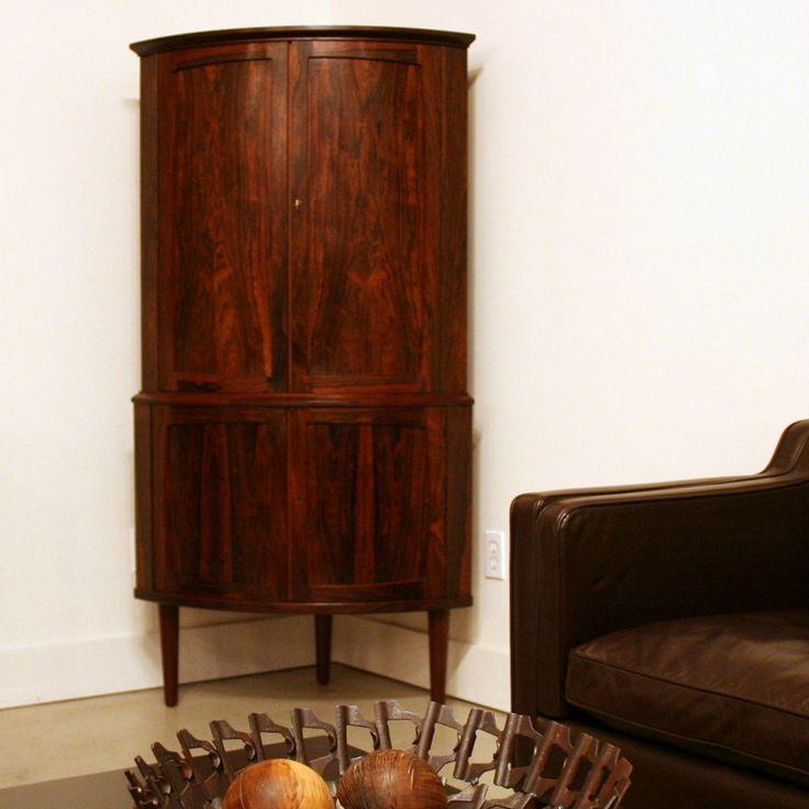 Corner Dining Room Storage Ideas: 17+ Ideas About Corner Bar Cabinet On Pinterest