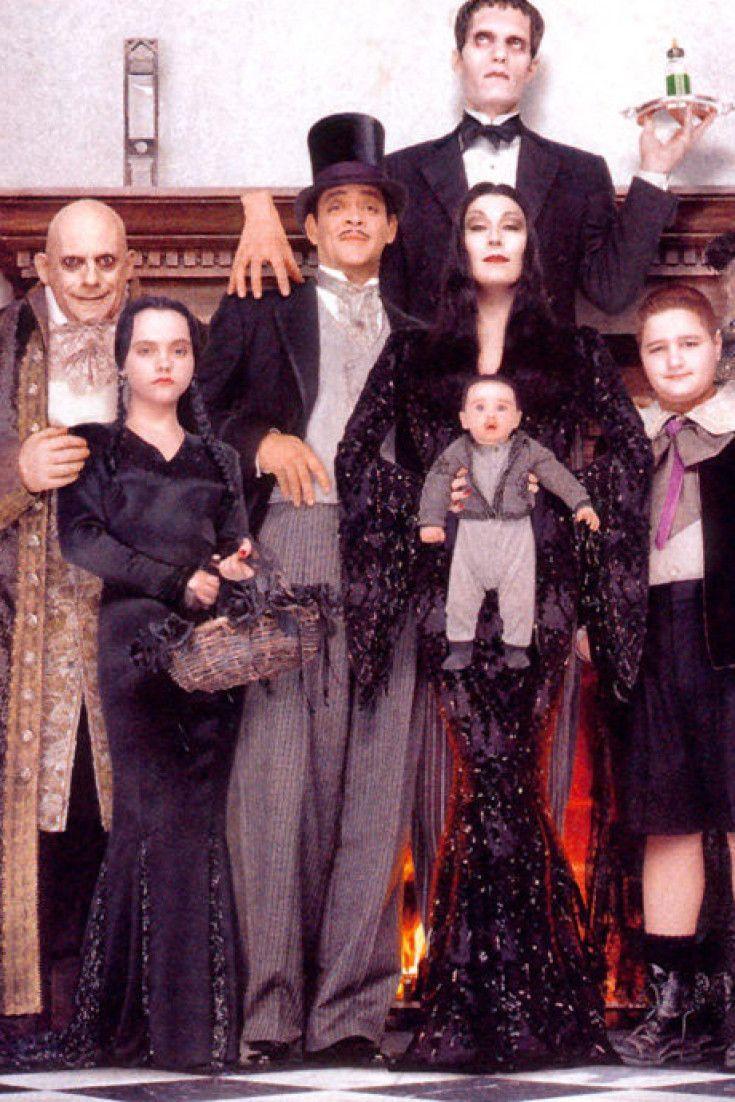 Familia Actores Addams Fotos Sido Aos Sus De La Qu Ha25 Años De La Fam Addams Family Halloween Costumes Addams Family Costumes Adams Family Costume