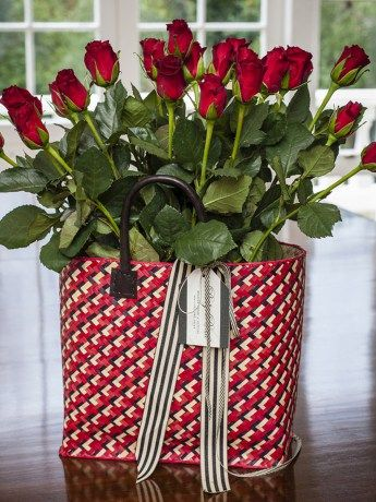 The Colour of Love Rose Basket - https://www.rubyroadafrica.com/shop-online/someone-special/shop-luxury-gifts-online-for-her/the-colour-of-love-rose-basket-cape-town-gift-detailb