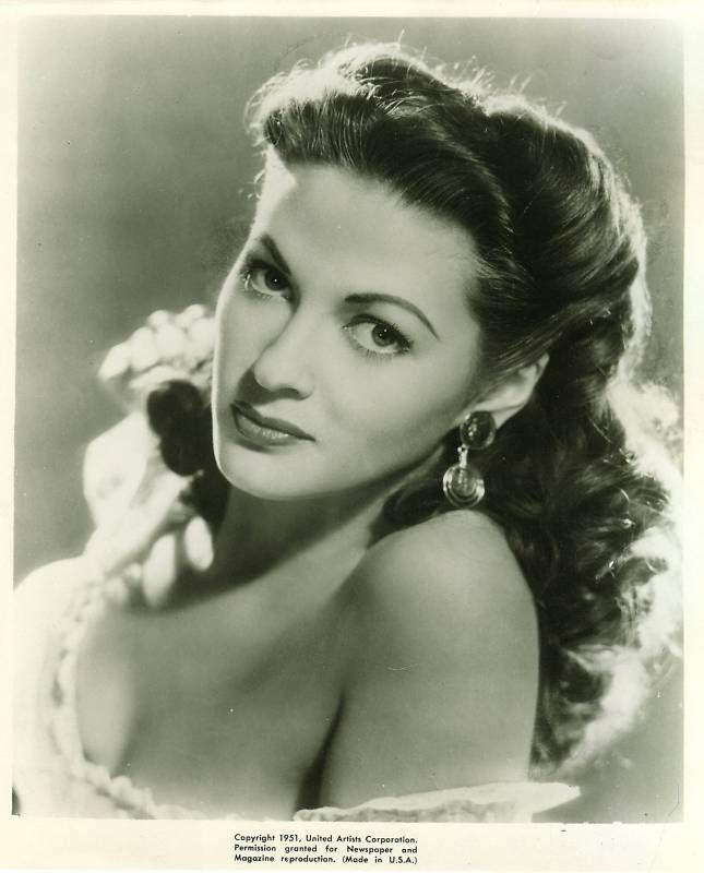 Pilar Mayo