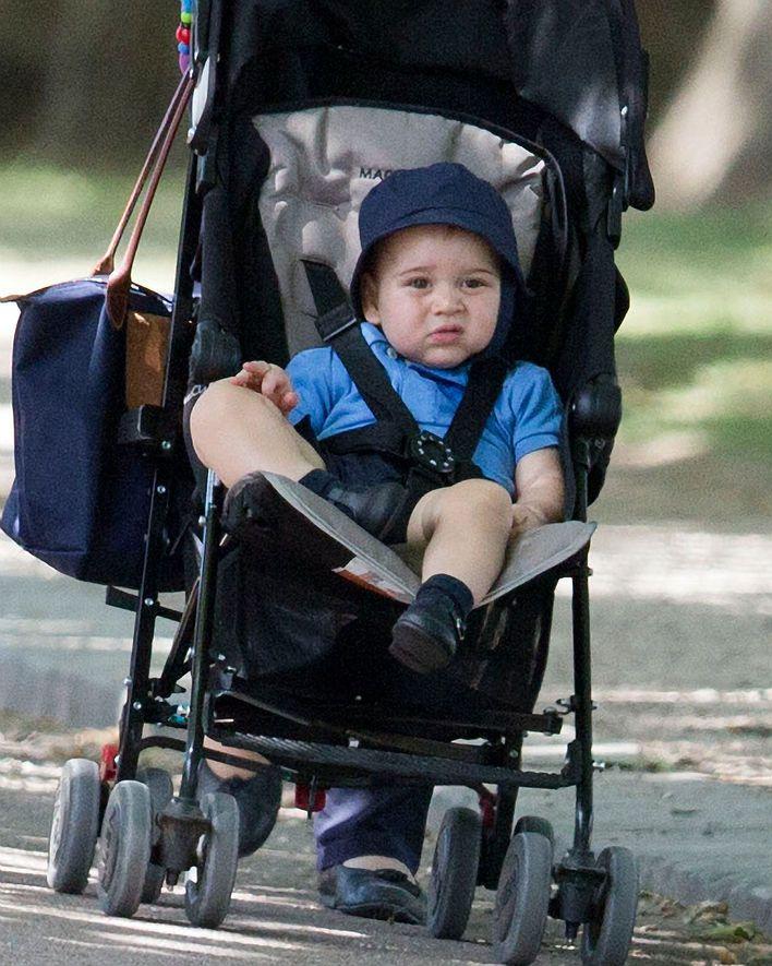 Prinze George Spaziergang mit Nanny kurz vor 1. Geburtstag