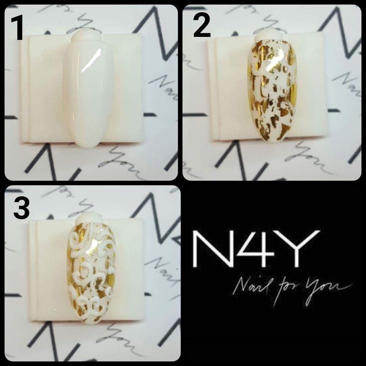 Gel polish hvid med negle transfer folie i guld, nailart 3D lavet med skulpturer gel White . Alle produkter kan købes hos nail4you.dk