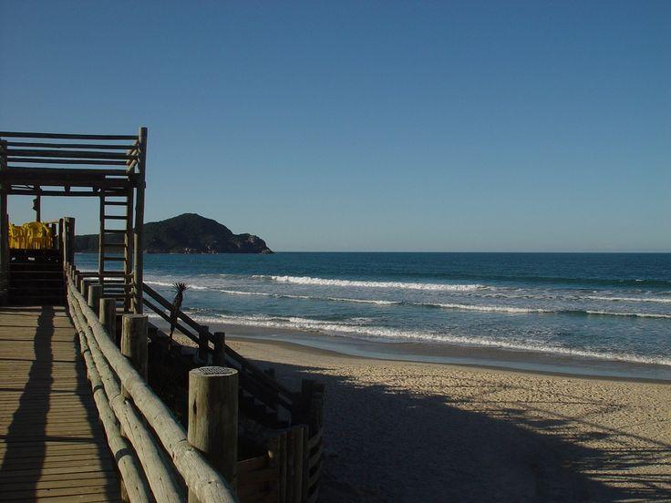 Praia do Rosa, Imbituba – SC http://www.alohapraiadorosa.com.br