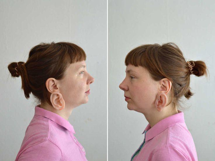 Um sexto dedo em forma de anel? Um brinco em forma de orelha? A artista e designer Nadja Buttendorf criou joias estranhas de silicone intituladas FINGERring e EARing, que reproduz realisticamente p…