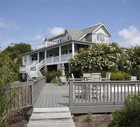 Emily's house from revenge. Love the extended decking.