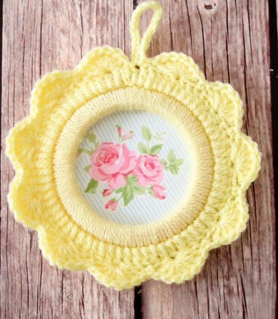 Crochet Ornament / Crochet flower frame