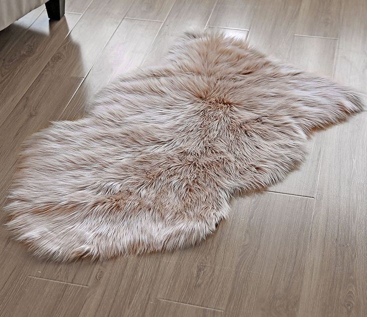 OJIA Deluxe Soft Faux Sheepskin Chair Cover Seat Pad Plain Shaggy Area Rugs For Bedroom Sofa Floor (2ft x 3ft, Light Coffee)
