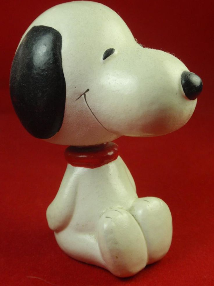"""Snoopy Bobble Head Nodder Peanuts Sitting Figure Korea Papier Paper Mache 1970'sVintage - No cracks - VG condition - One small scratch by left ear - Original spring - Works like new! 3 5/8"""" - Made by Determined"""