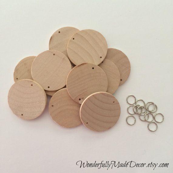 Cette liste est pour des disques en bois avec des trous, parfaits pour tous vos projets dartisanat... surtout les cartes danniversaire où