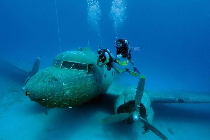 Yunanistan'a ait Meis adası ile aramızdaki son dalış noktası olan Flying Fish'e giderken etrafınıza baktığınızda su üzerinden sıçrayan uçan balıkları görebilirsiniz. #Maximiles #spor #extreme #sporlar #adrenalin #tehlike #dalış #deniz #dalgıç #FlyingFish