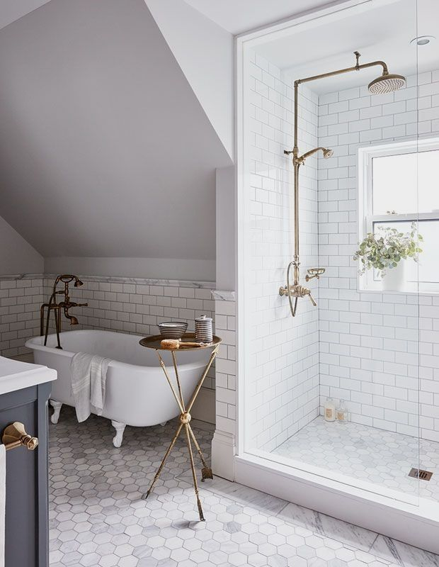Browse Beautiful Modern And Traditional Bathrooms With Stunning Shower Ideas For Your Next Reno Upstairs Bathrooms Bathroom Renos Bathroom Interior