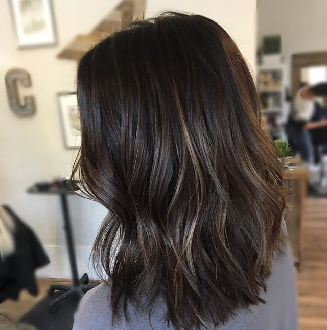Fall hair: dimensional highlights on cool toned brown