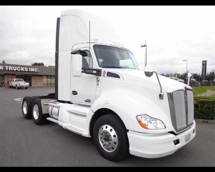 2014 KENWORTH T680   - $72500,  http://www.motortrucks.com/used-2014-kenworth-t680-for-sale-everett-washington_vid_50579_rf_pi.html