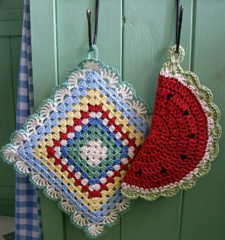 potholders :: used 4-ply cotton for both of these, but used it doubled for the watermelon.
