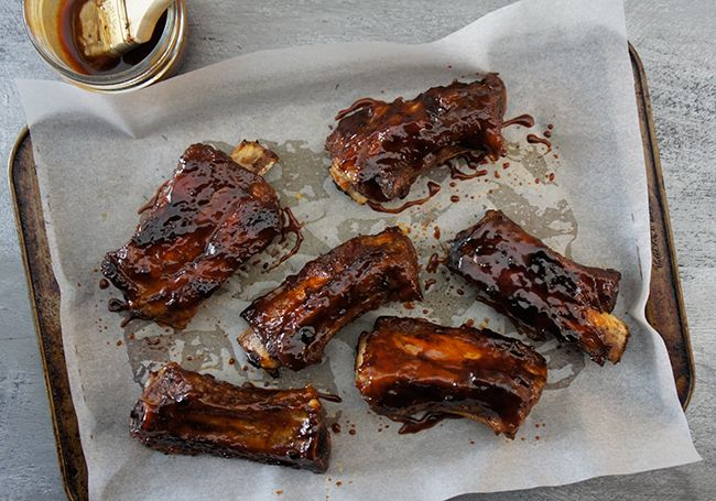 It's time to fire up the barbecue and start enjoying ribs. If you've always wondered how to cook this finger  food, or you want to pick up a few of the best recipes that span Asian to American influences, read on.
