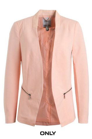Le parfait veston pour le printemps 2015, et cela, pour trois raisons : sa coupe parfaite, l'encolure cuirette, l'implique «zip» aux poches!!!! WoW !!! #only #lightpink #pastel #saumon #corail