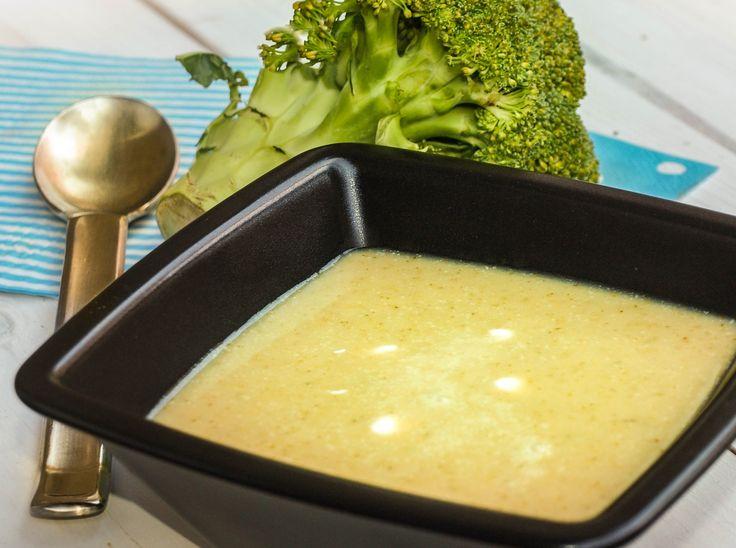 Bolondított brokkoli levese. http://kertkonyha.blog.hu/2016/05/05/bolonditott_brokkolileves
