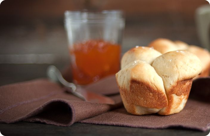 No Knead Dinner Rolls from Some Kitchen Stories