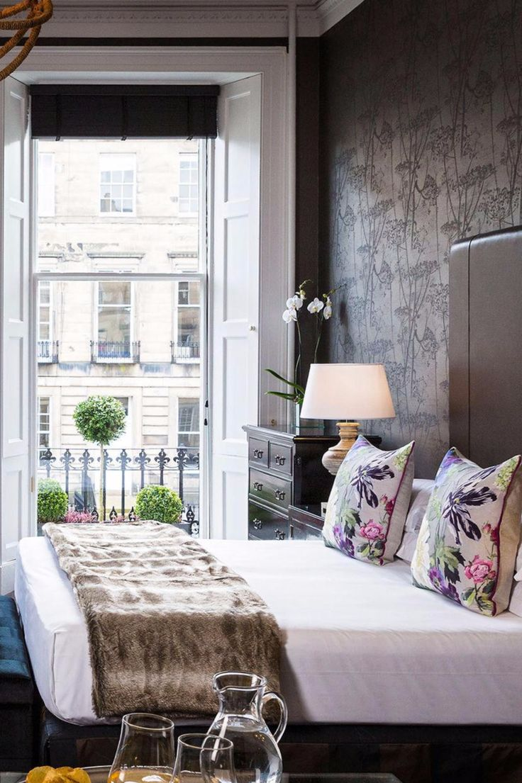 There's a real mix of the traditional and the modern in the guestrooms. Nira Caledonia (Edinburgh, UK) - Jetsetter