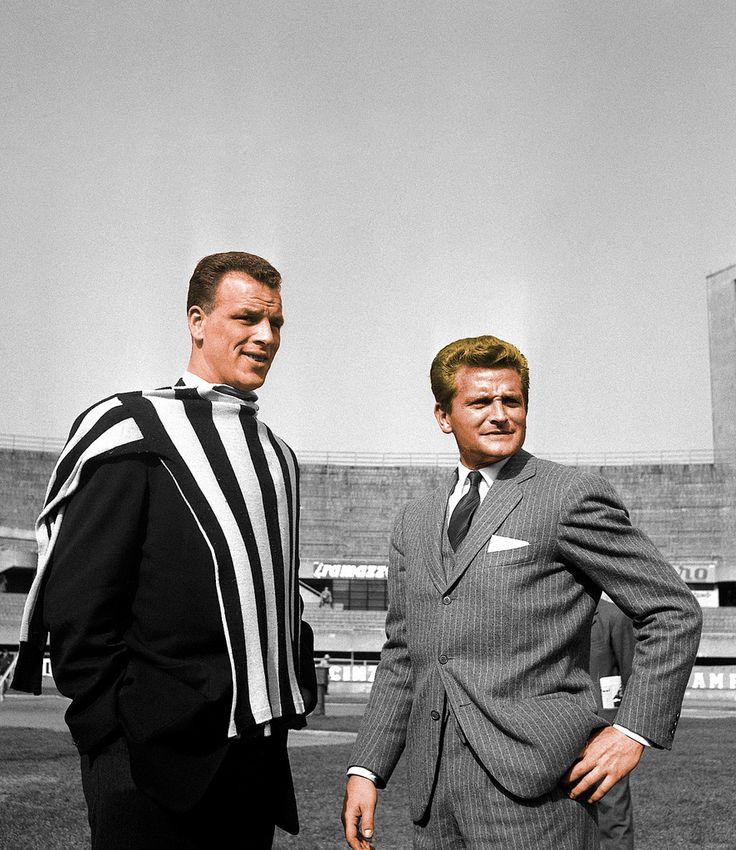 Presentation of John Charles (Juventus FC, 1957–1962, 150 apps, 93 goals) with Juventus FC shirt, on 25 April 1957.