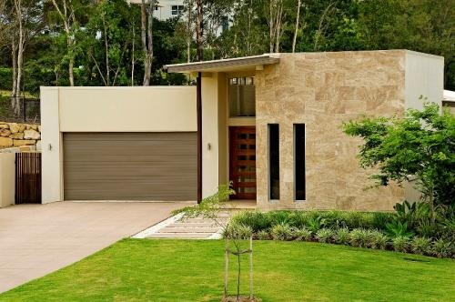 For Sale:  http://www.champrealty.com.au/main.php?page=property=16  Champ Realty Prestige Property
