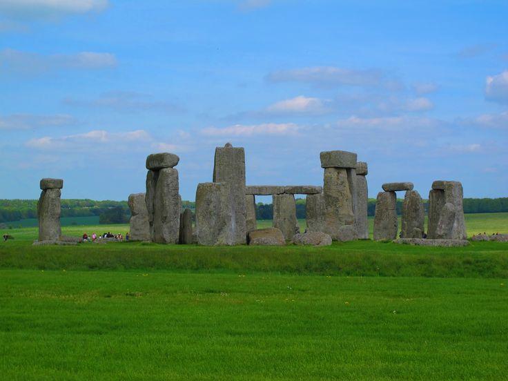 Come raggiungere Stonehenge da Londra. Tutte le informazioni utili per visitare il monumento preistorico (e scoprirne i misteri) in un giorno.