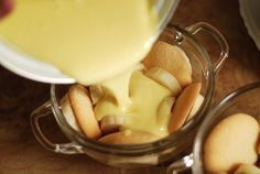 Попробуй сделать этот потрясающий банановый пудинг.