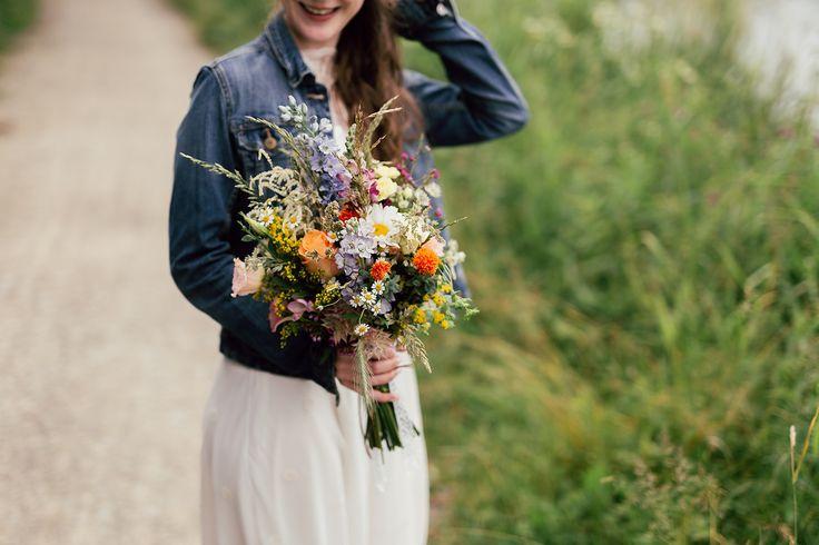 Wedding bouquet.  foto: www.bilacerna.cz
