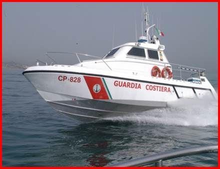 Incendio su barca da diporto soccorsi dalla Guardia Costiera