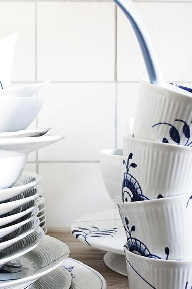 Royal Copenhagen Blue Fluted Mega thermal mugs