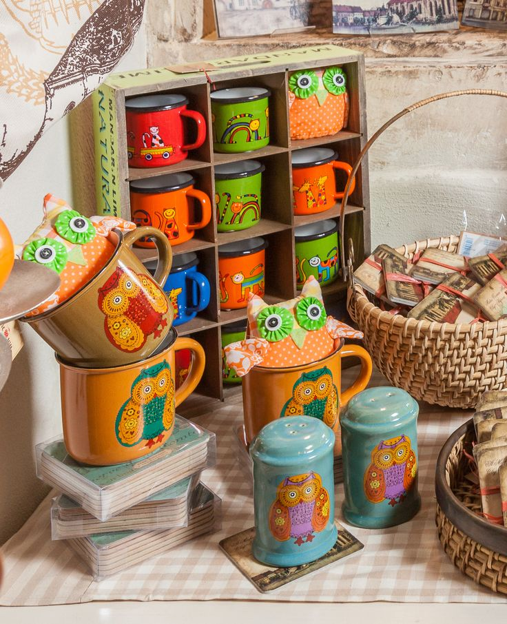Colorful little mugs, cups and Cluj-Napoca souvenirs for Owl lovers!