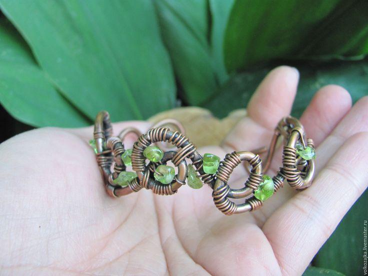 """Купить Медный браслет """"Веснянка"""" с хризолитом - медь, браслет, wire wrap, браслеты, браслет с камнями"""